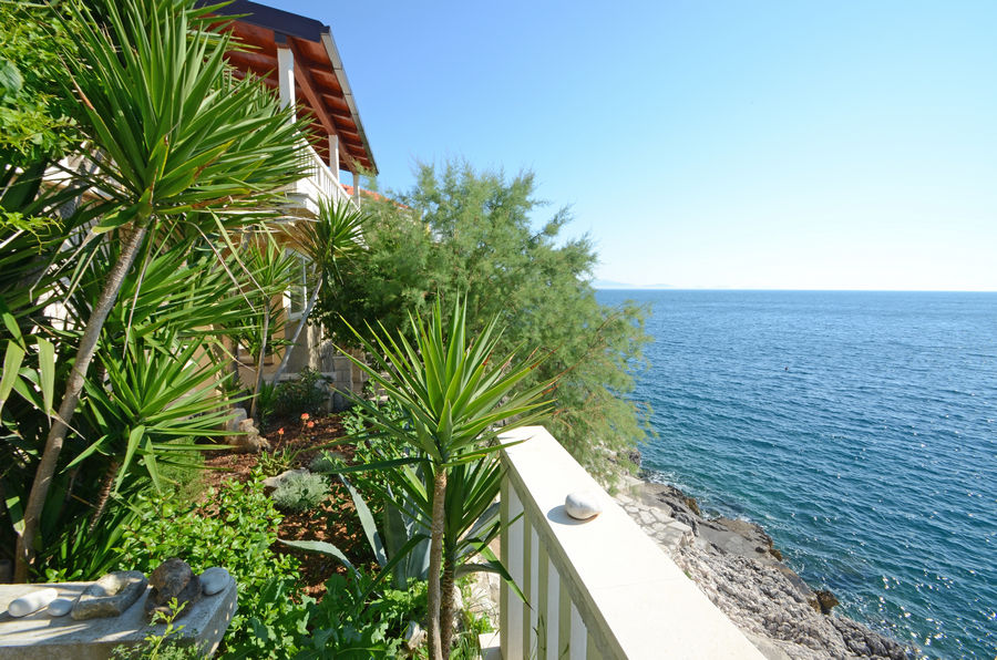 korcula-zavalatica-apartments-ranko-house-05-2016-pic-02