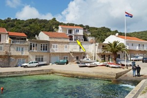 korcula-zavalatica-apartments-toni-house-05