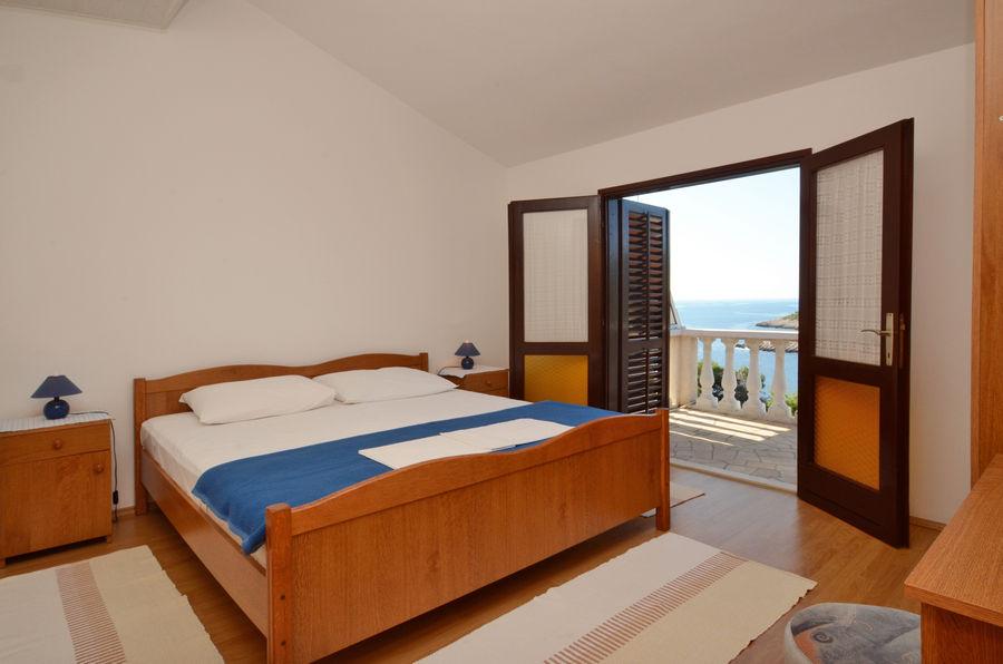 marijanazavalatica-Stan1-spavaća soba-05