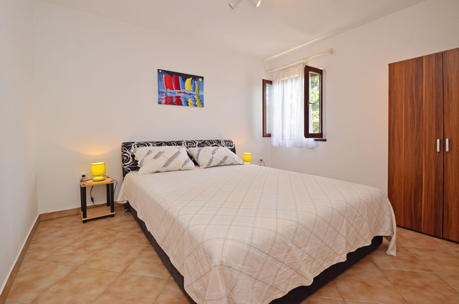 apartment2 bedroom1 osolemio-April-2016-pic-01