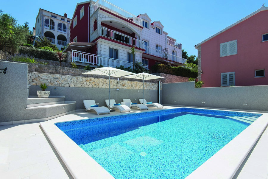 Prigradica-Apartments-Kapor-House-with-a-Pool-2017-pic-01