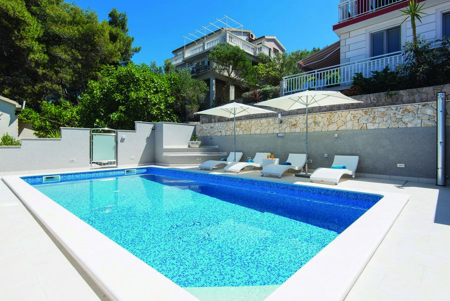Prigradica-Apartments-Kapor-House-with-a-Pool-2017-pic-03