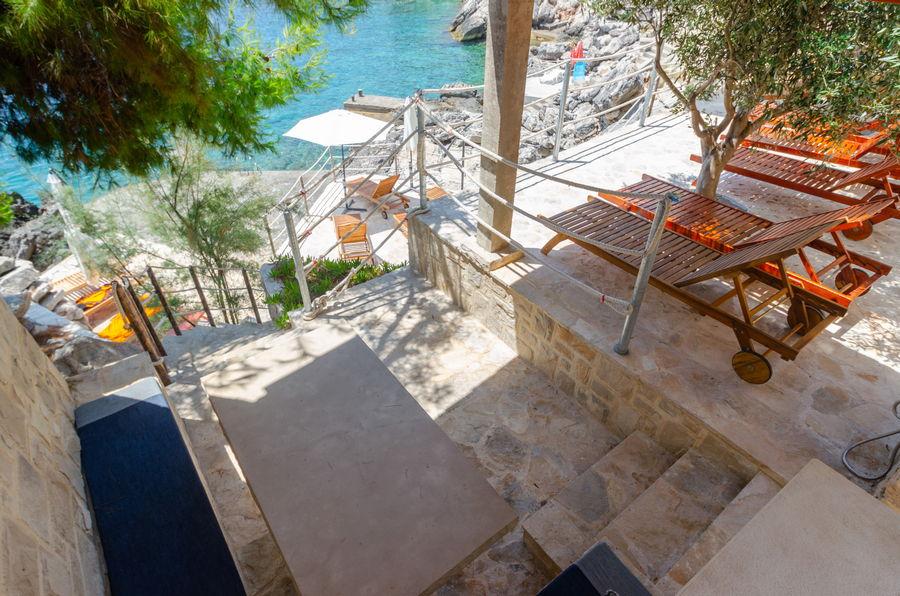 Prižba-Apartmani-danca-plaža-salon-07-2019-slika-02