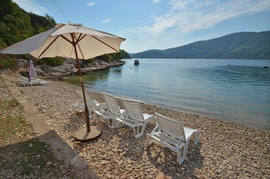 vela-luka-house-for-rent-hope-beach-09-2016-pic-03
