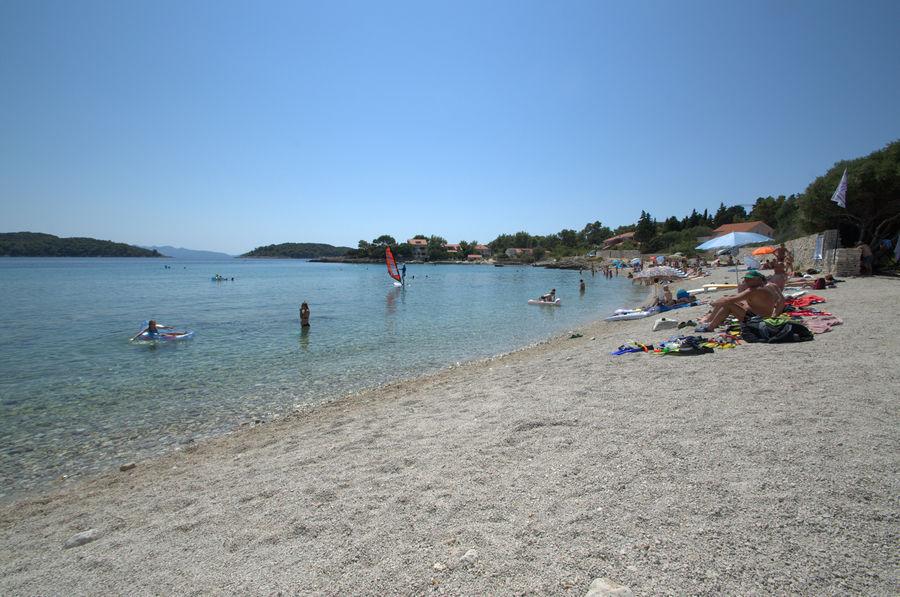 korcula-apartments-prizba-bumba-beach-02