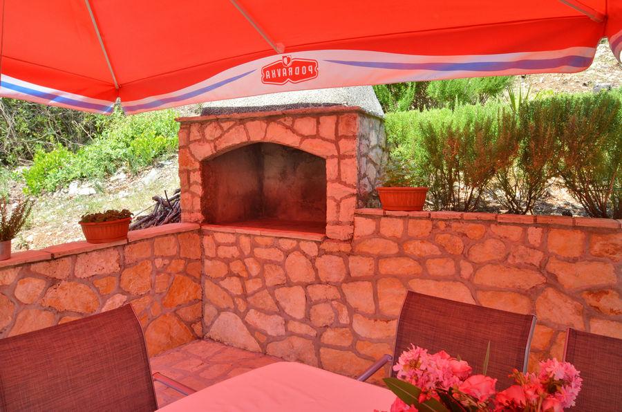 apartments-farac-grill-terrace-06-2016-pic-02