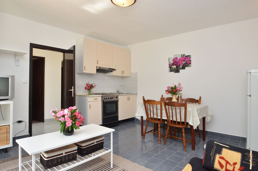 Farac-apartment3-Küche-06-2016-Bild-01