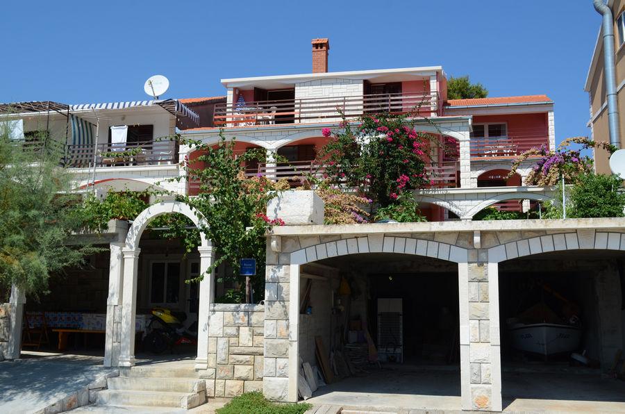 korcula-prizba-apartments-sepo-house-02