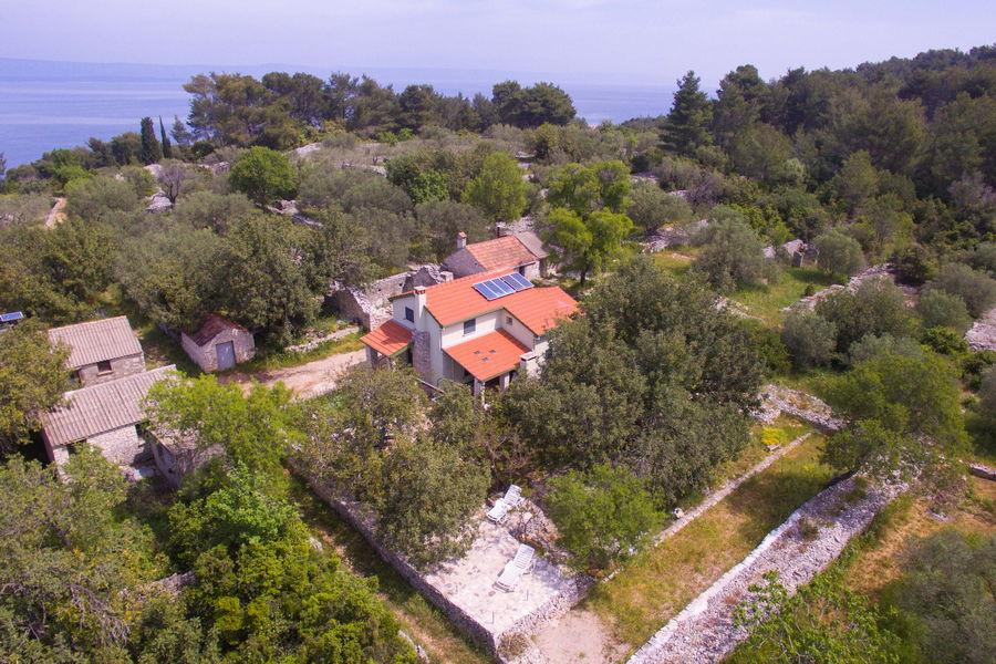 orebs-Cottage-Vela-Luka-House-Drone-12