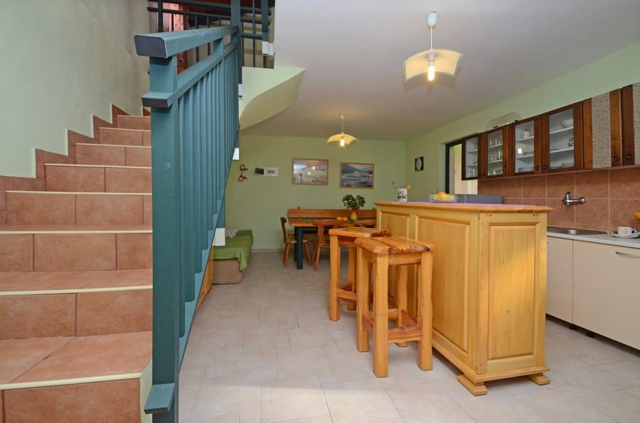 Vela-Luka-Holiday-Home-orebs-Cottage-livingroom-01