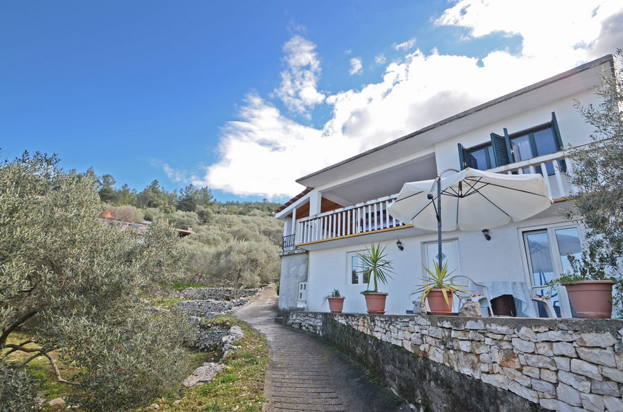 korcula-prigradica-apartments-lozica-house-03