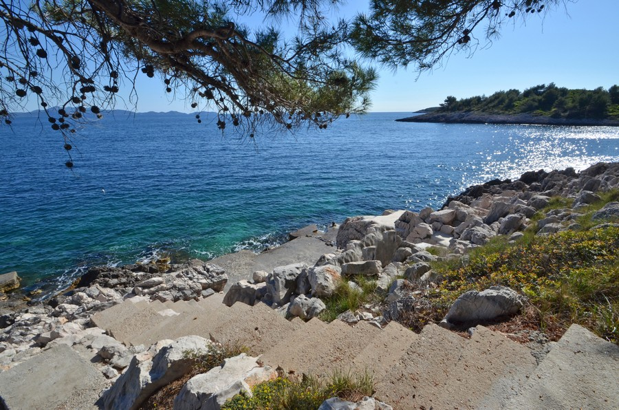 korcula-apartments-prizba-surjan-beach-02
