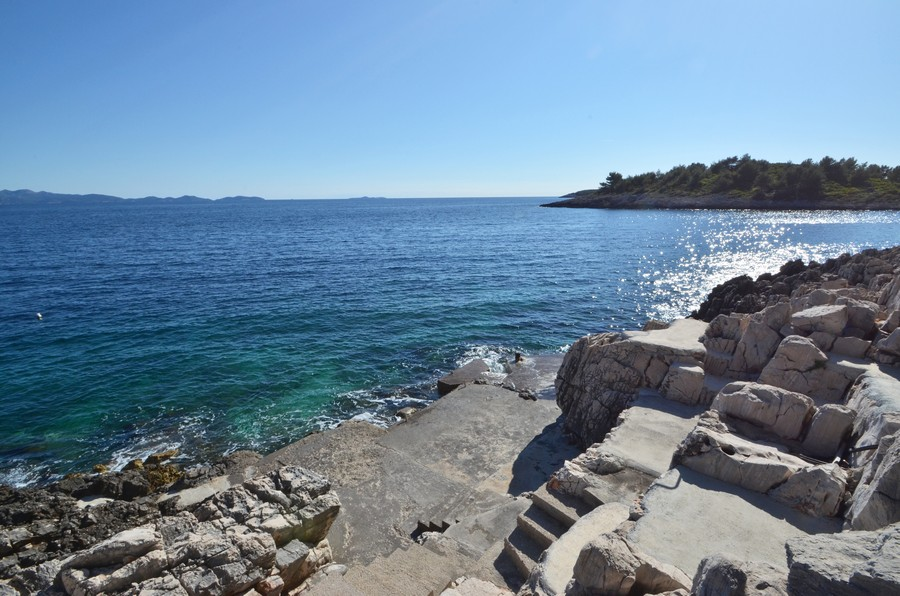korcula-apartments-prizba-surjan-beach-03