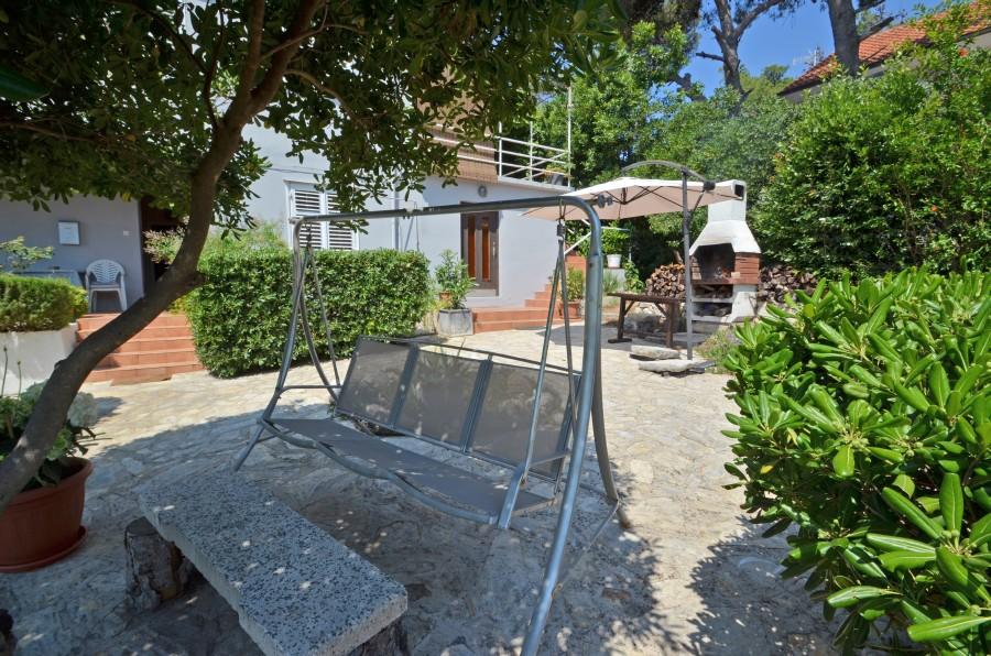 peljesac-orebic-villa-mery-house-garden-11