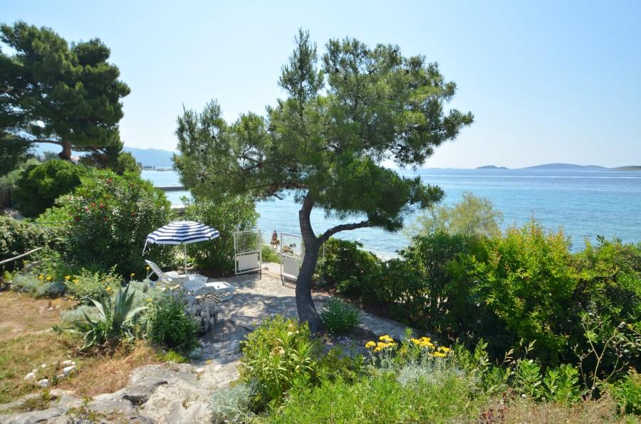 peljesac-orebic-villa-mery-house-garden-12