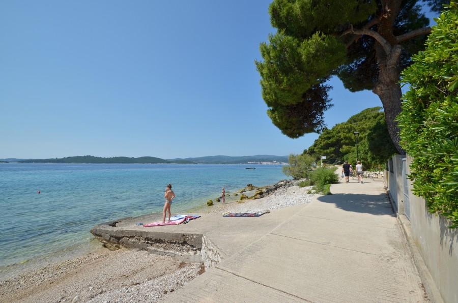 Peljesac-Villa-Mery-Orebic-Beach-10