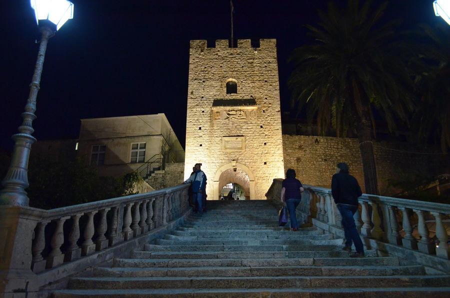 srednjovjekovni-grad-vrata-Korčula