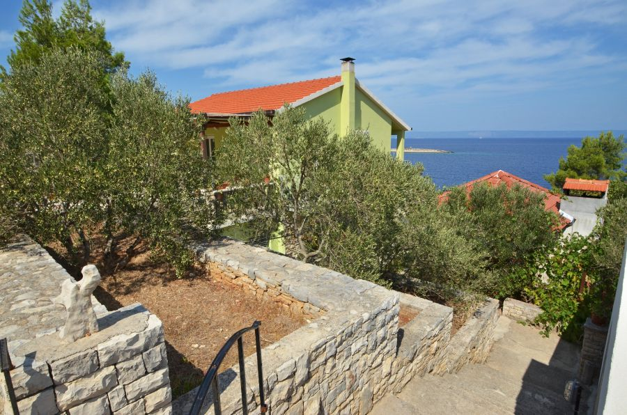 korcula-prigradica-apartments-naplovac-house-01
