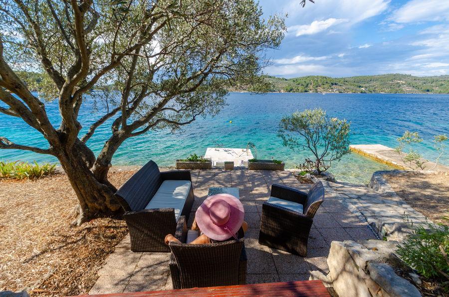 korcula-holiday-house-vela-luka-paradise-house-lounge-07-2020-pic-01