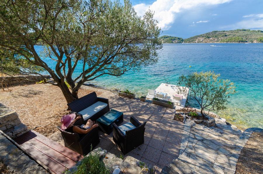 korcula-holiday-house-vela-luka-paradise-house-lounge-07-2020-pic-03