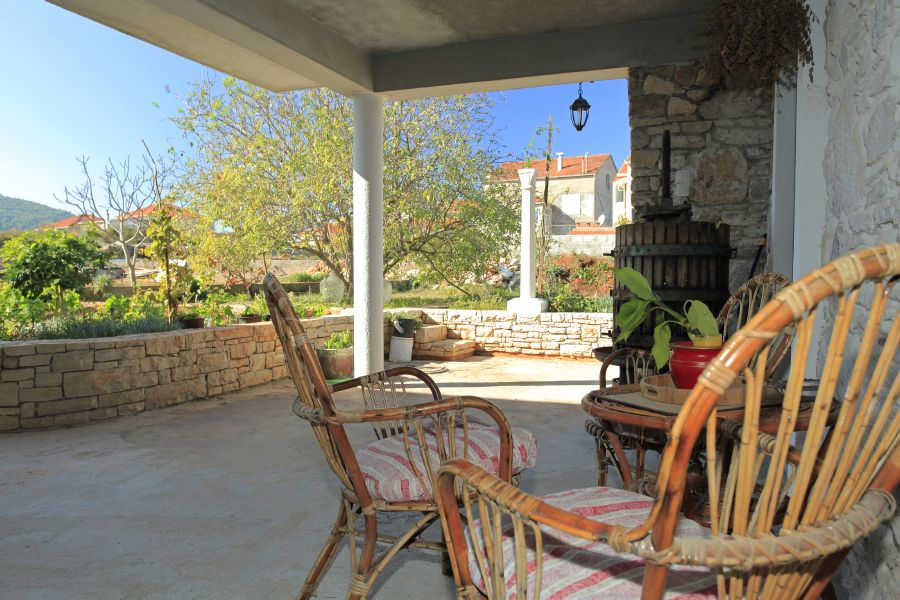 Korcula-Vela-Luka-Apartments-Paric-House-05
