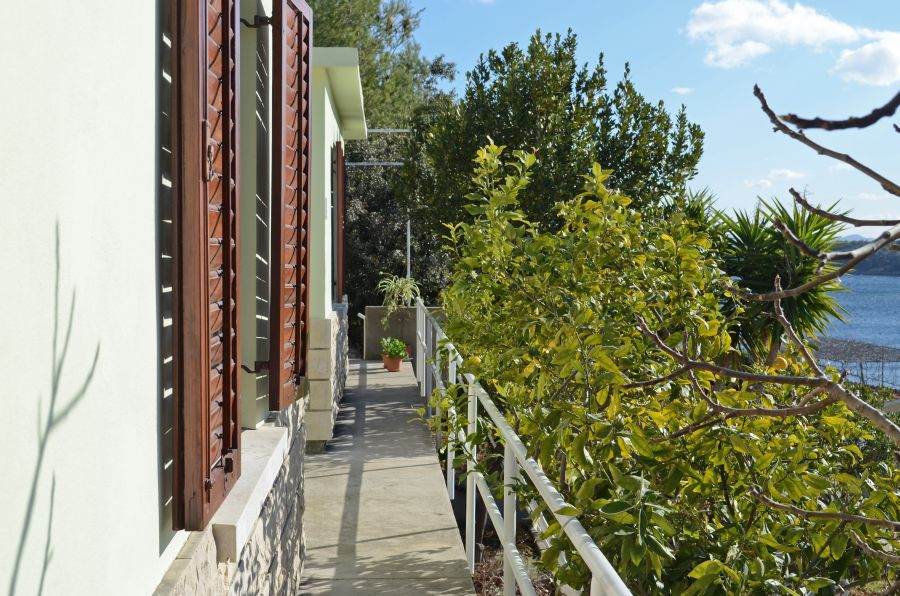 Korcula-prizba apartamenty sardelic-house-01-2017-pic-07