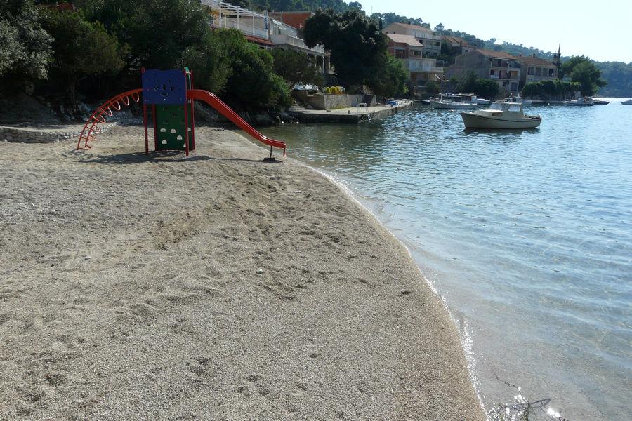 brna-beach-01