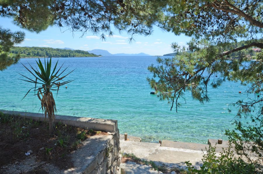korcula-apartments-lumbarda-vukas-beach-01