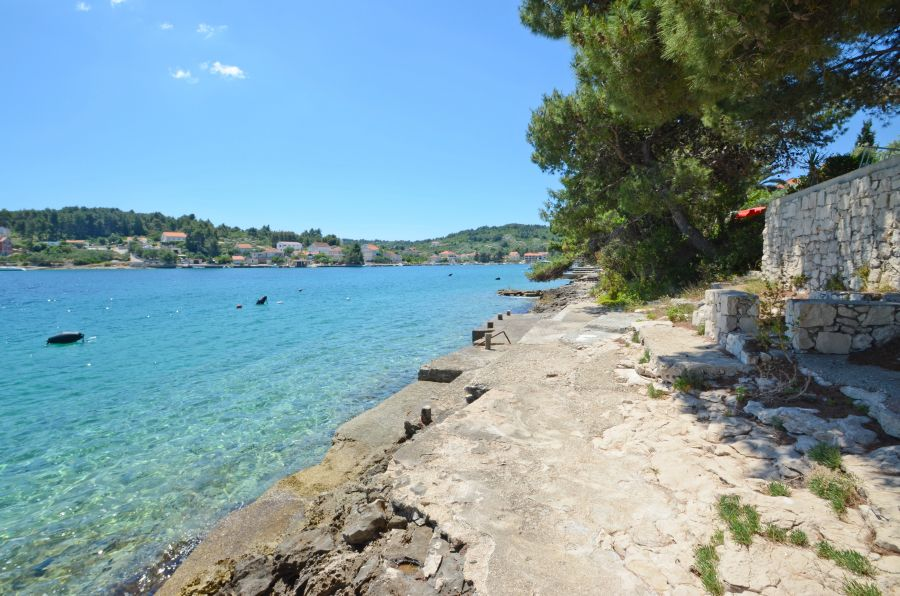 korcula-apartments-lumbarda-vukas-beach-04