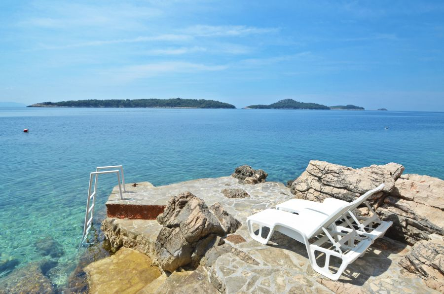 korcula-apartments-prizba-priscapac-tatjana-beach-02