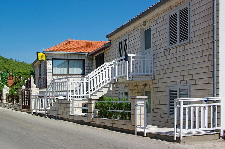 korcula-brna-apartments-tomasic-house-03