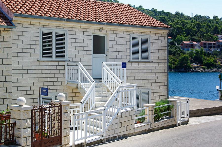 korcula-brna-apartments-tomasic-house-04