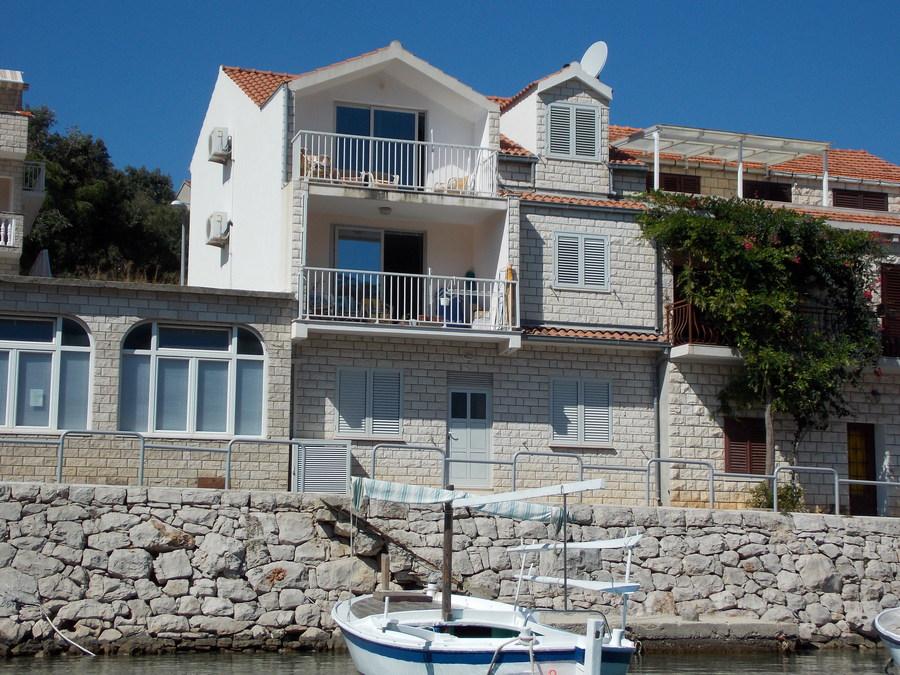 korcula-brna-apartments-tomasic-house-06