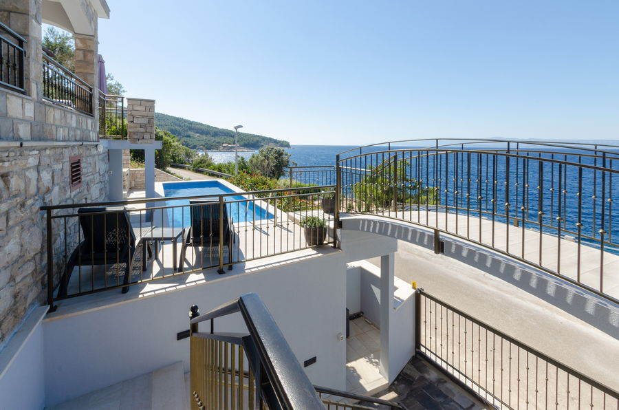 prigradica-lozica-holiday-home-dona-maria-terrace-06-2020-pic-14