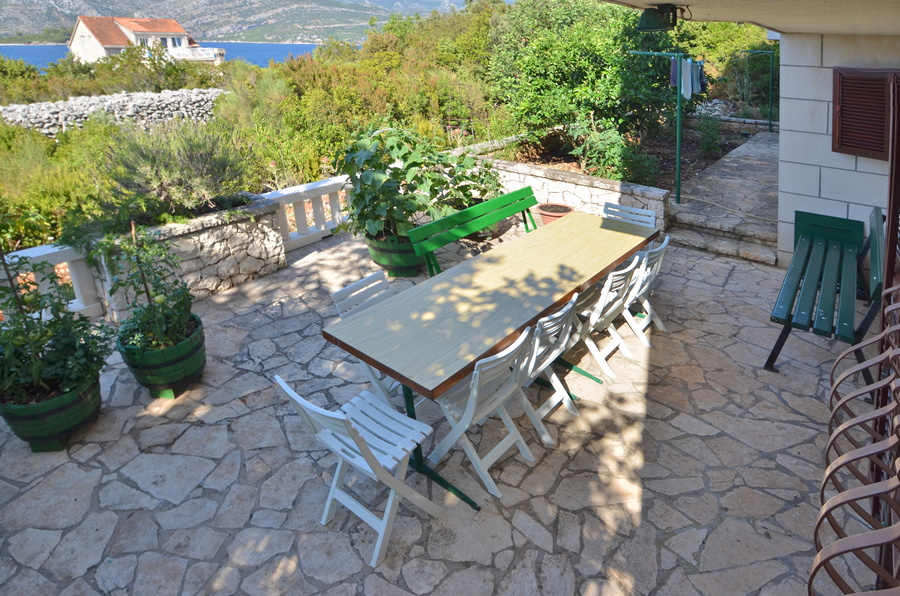 Korcula-kneze-Apartments-Anton-front-Barbecue-03
