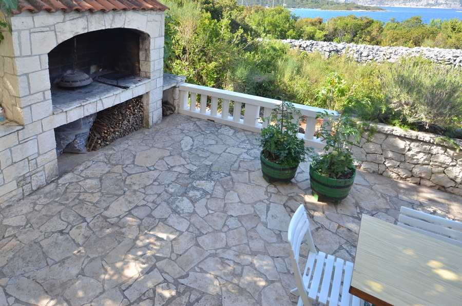 Korcula-kneze-Apartments-Anton-front-Barbecue-04