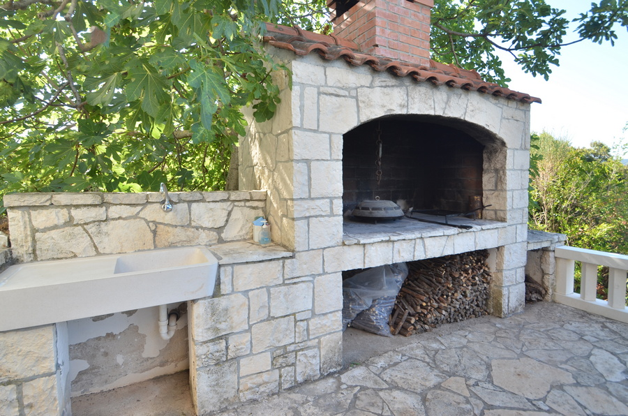 Korcula-kneze-Apartments-Anton-front-Barbecue-05