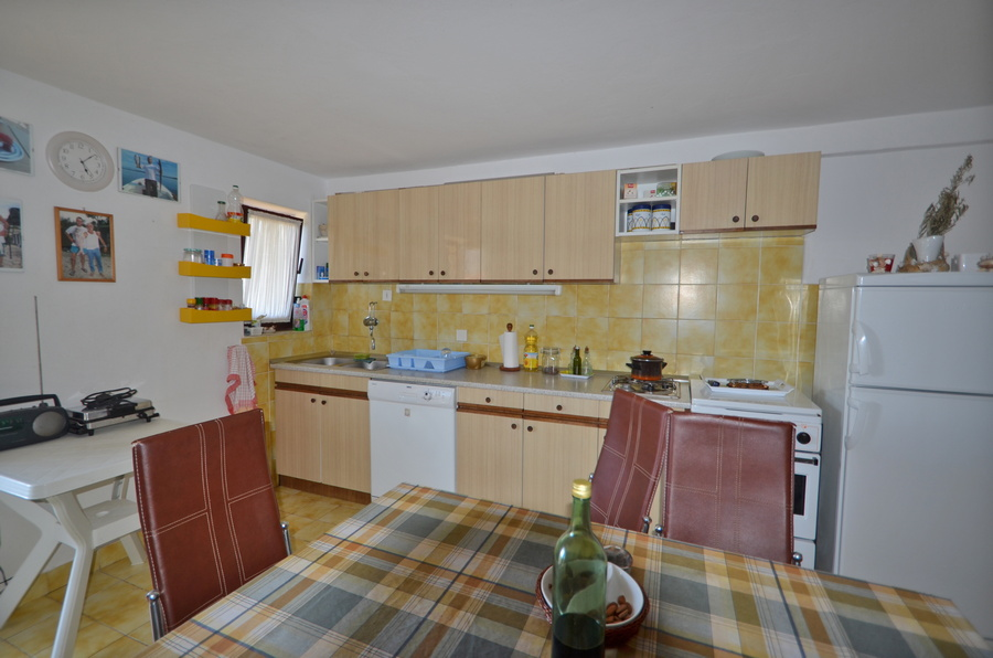 Korcula-kneze-Apartments-Anton-front-Barbecue-Kitchen-01
