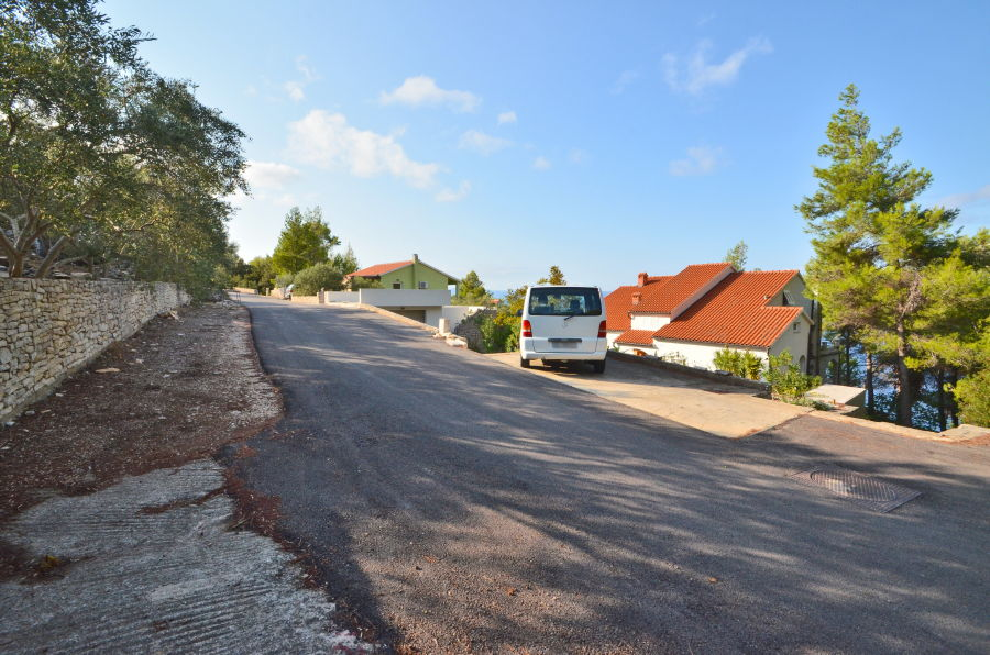 korcula-prigradica-naplovac-house-for-rent-brscan-parking-01