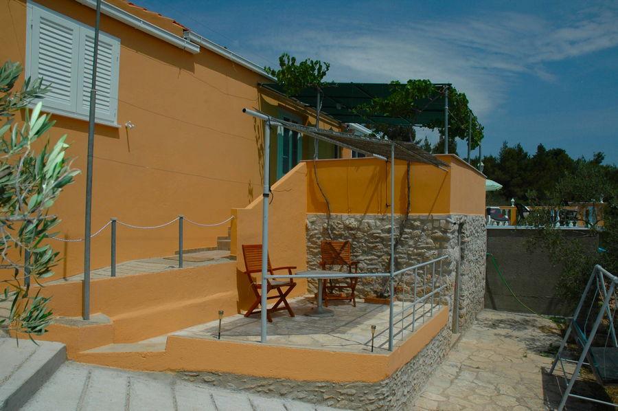 Villa-Korcula-Vela-Luka-Nina-House-01