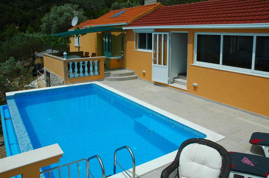 Villa-Vela-Luka-Korcula-Nina-pool-03