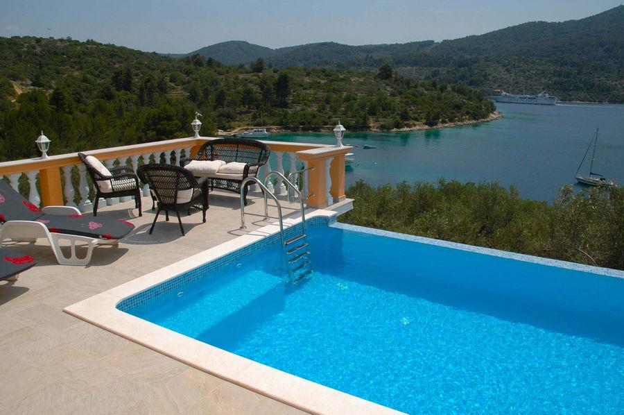 Villa-Vela-Luka-Korcula-Nina-pool-13