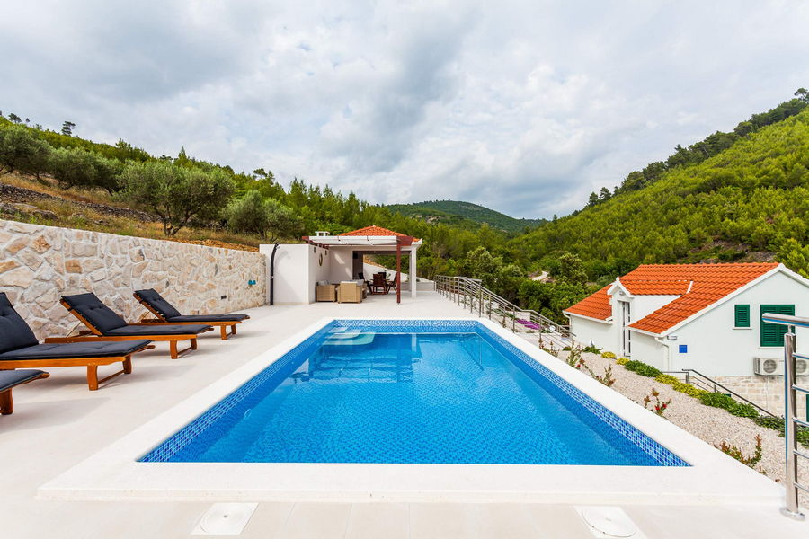 -Villa-Pool-03