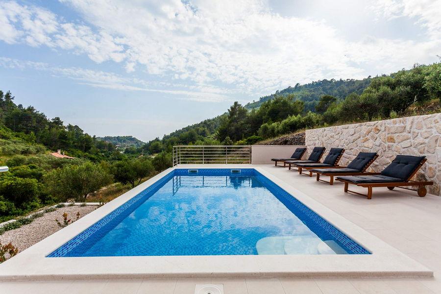 -Villa-Pool-05