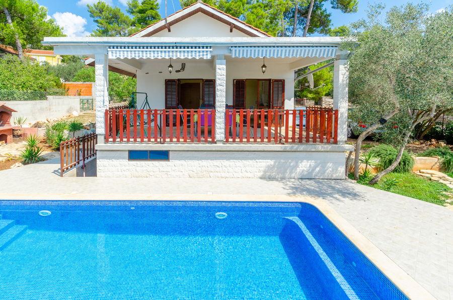 House-Vela-luka-Korcula-sasa-Pool-04