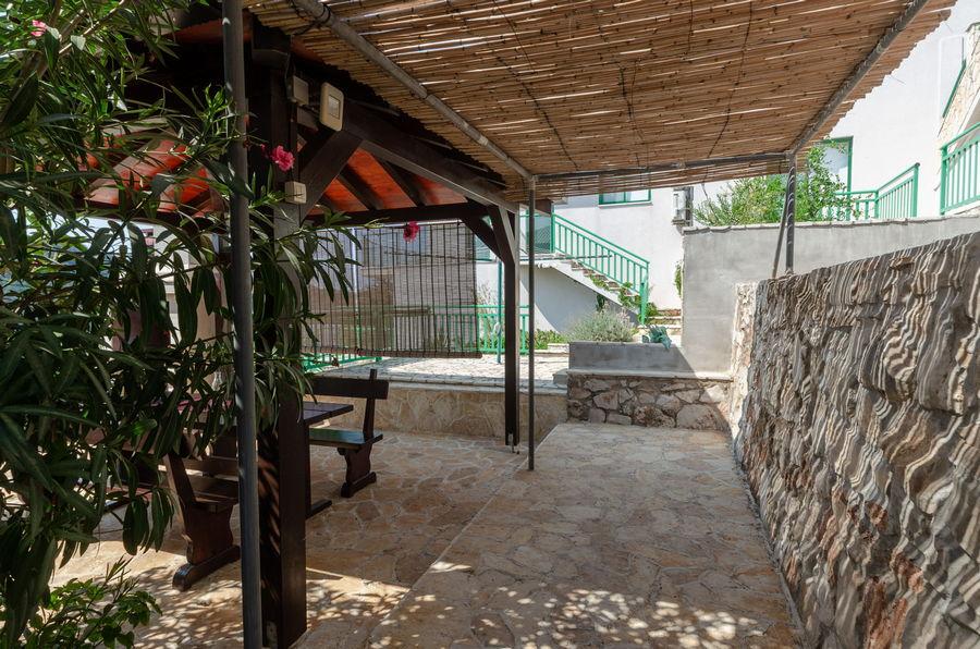 Korcula-Karbuni-Apartment-Denis-House-Grill-Terrace-09-2021-pic-07