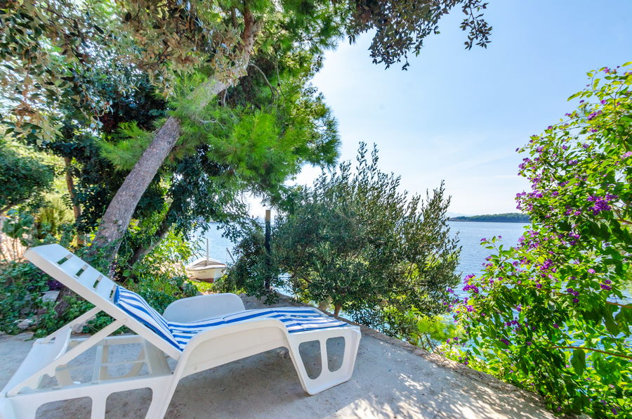 Korcula-Prizba-Apartments-Danko-House-Surrounding-09-2018-slika-07