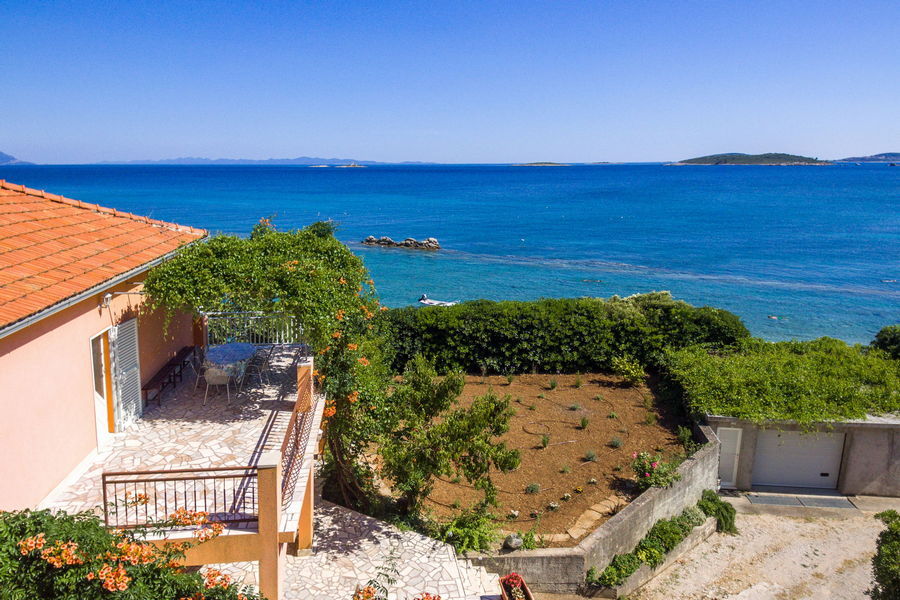 peljesac-orebic-appartements-vuletic-house-from-air-20