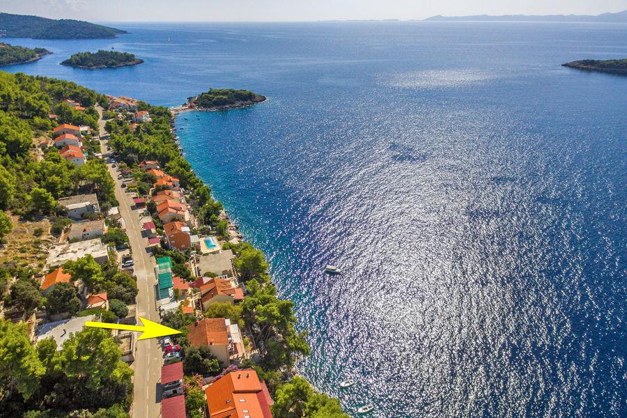 korcula-prizba-apartments-marta-diana-aus-luft-04-Pfeil