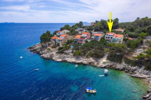 korcula-prizba-danca-apartments-merica-house-from-air-05-arrow
